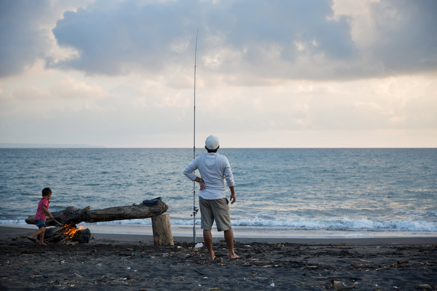 seseh-beach-fishing