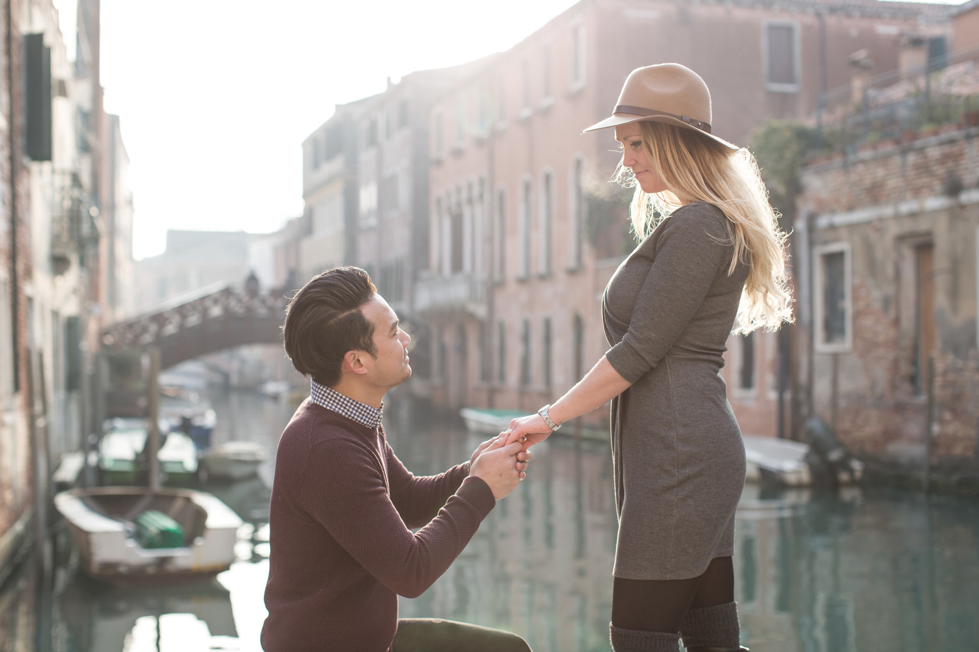 Minna-Øyvind-engagement-portrait-photo-shooting-Dorsoduro-Venezia-Venice
