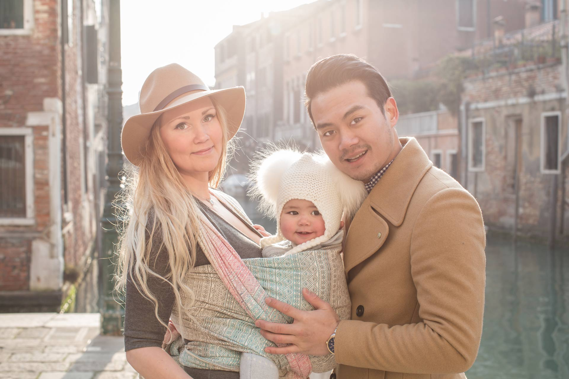 Minna-Stella-Øyvind-family-portrait-photo-shooting-Dorsoduro-Venezia-Venice