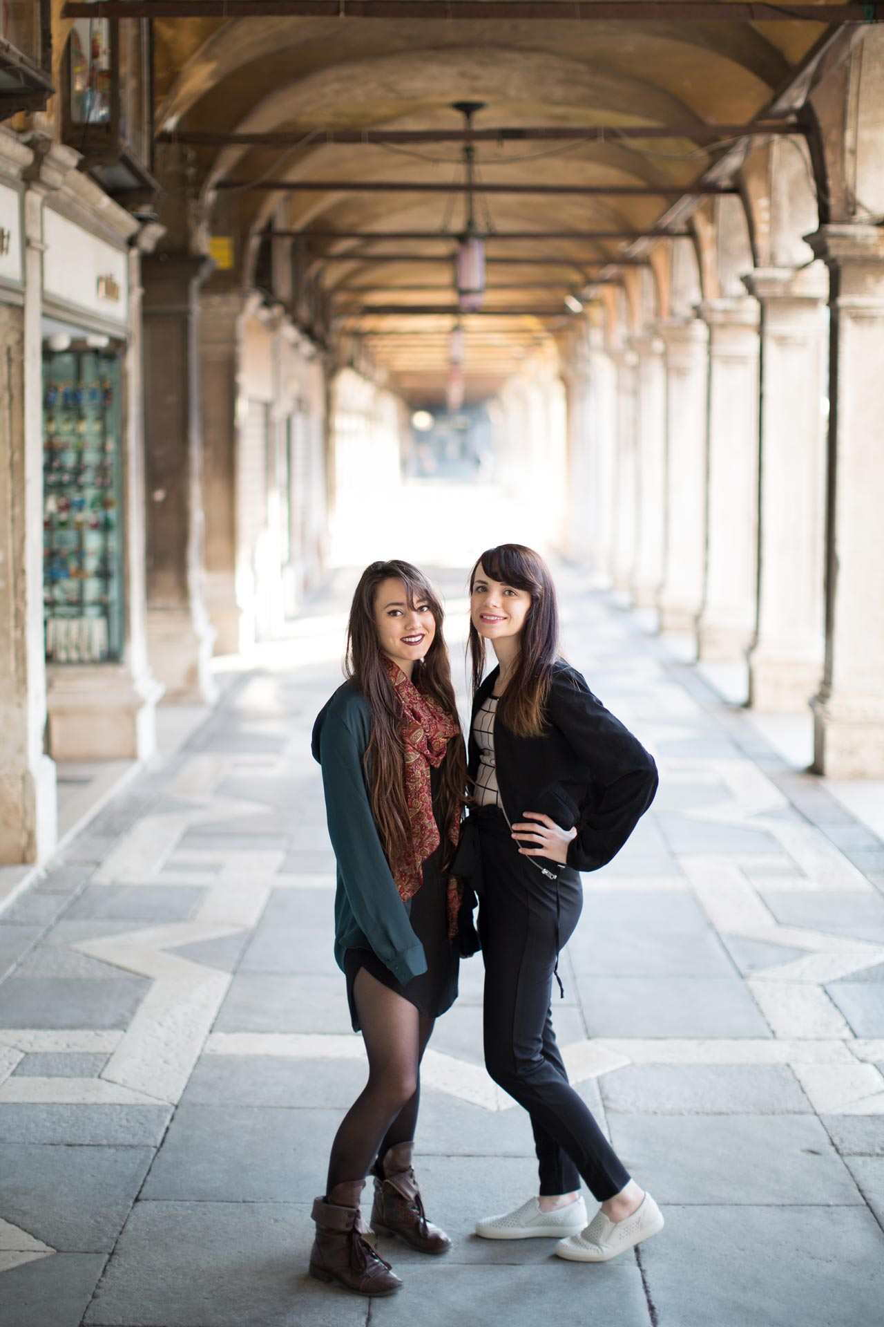 Ashley-Meagan-portrait-photo-shooting-sunrise-piazza-san-marco-Venezia-Venice
