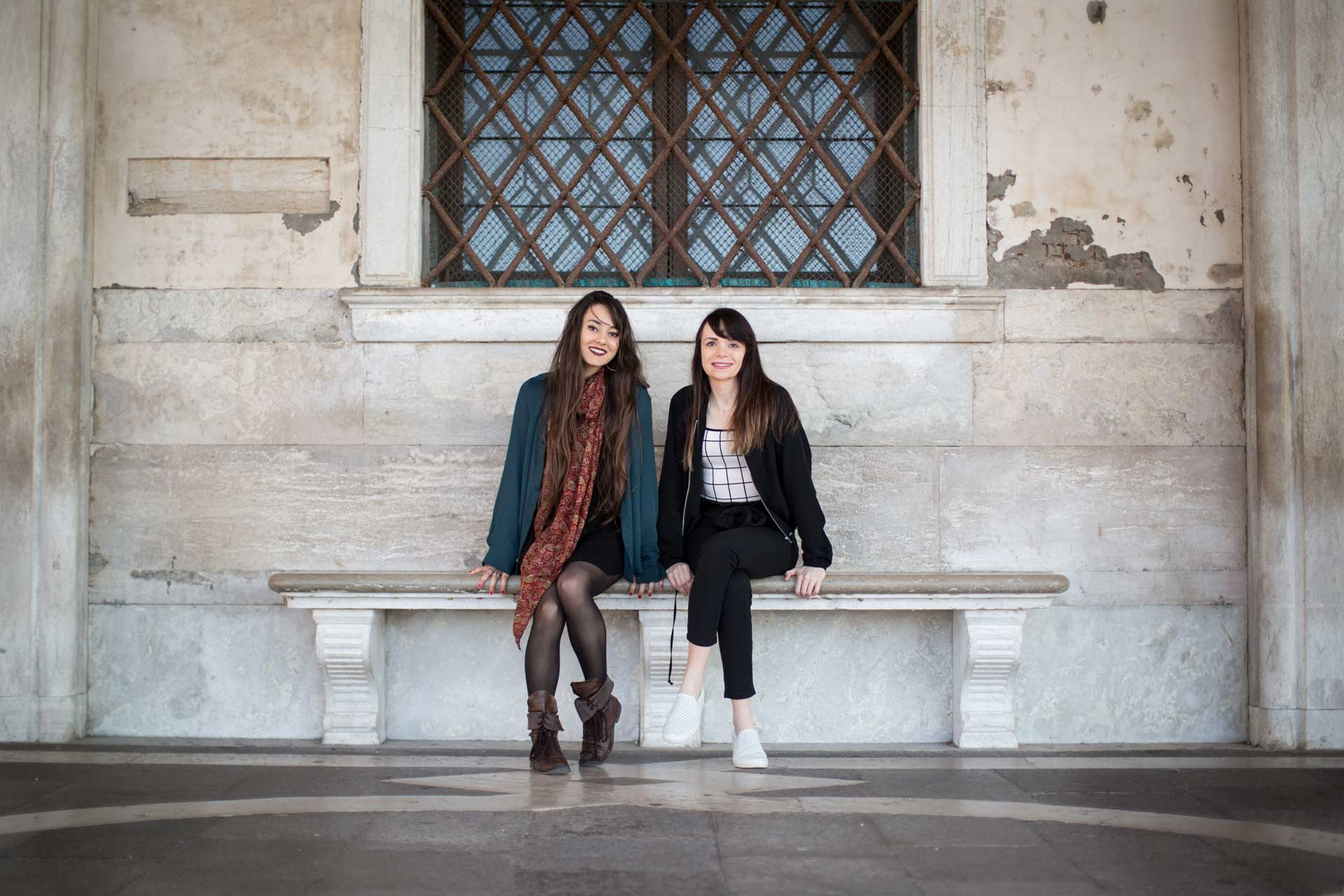 Ashley-Meagan-portrait-photo-shooting-sunrise-palazzo-ducale-Venezia-Venice