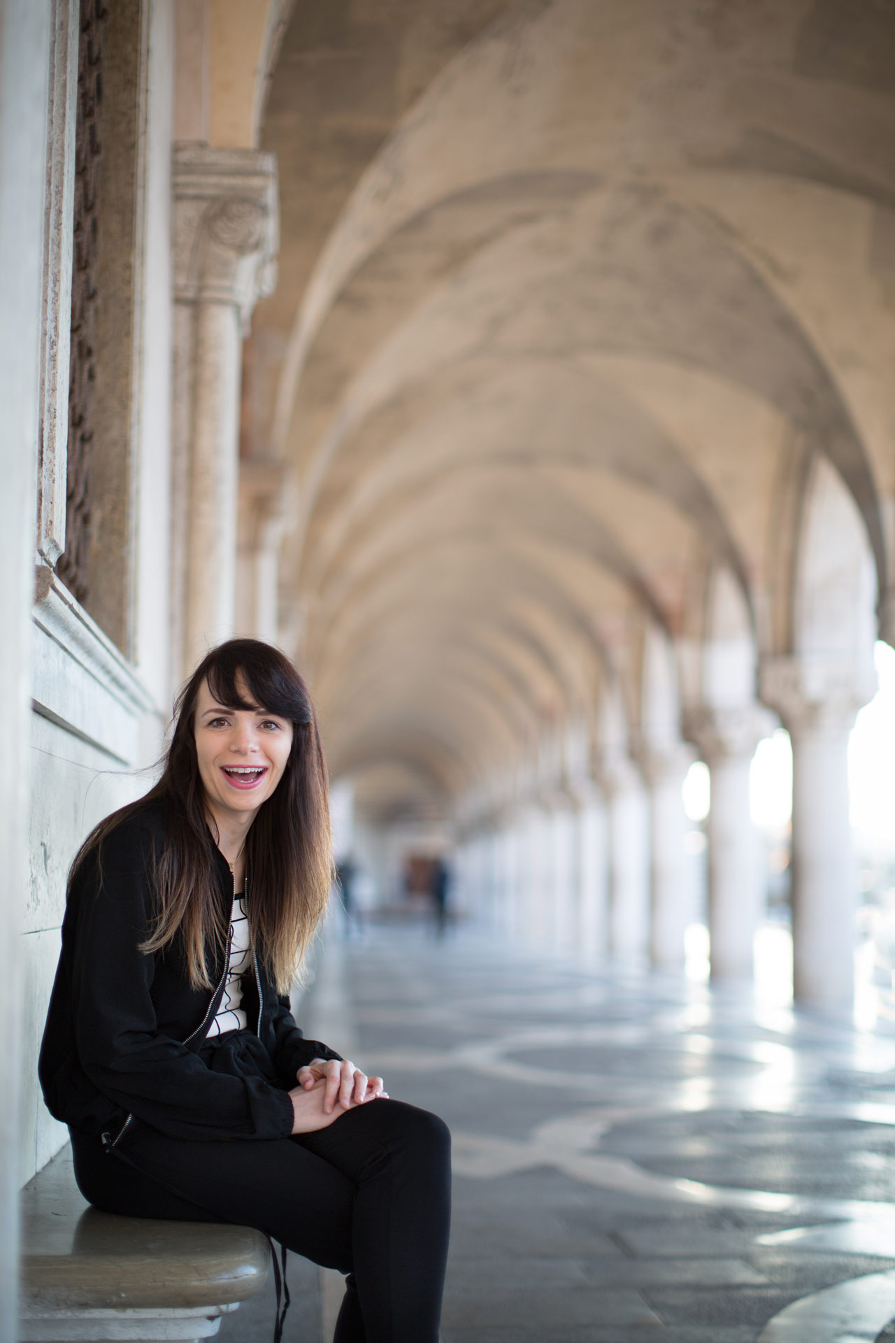 Ashley-portrait-photo-shooting-sunrise-palazzo-ducale-Venezia-Venice