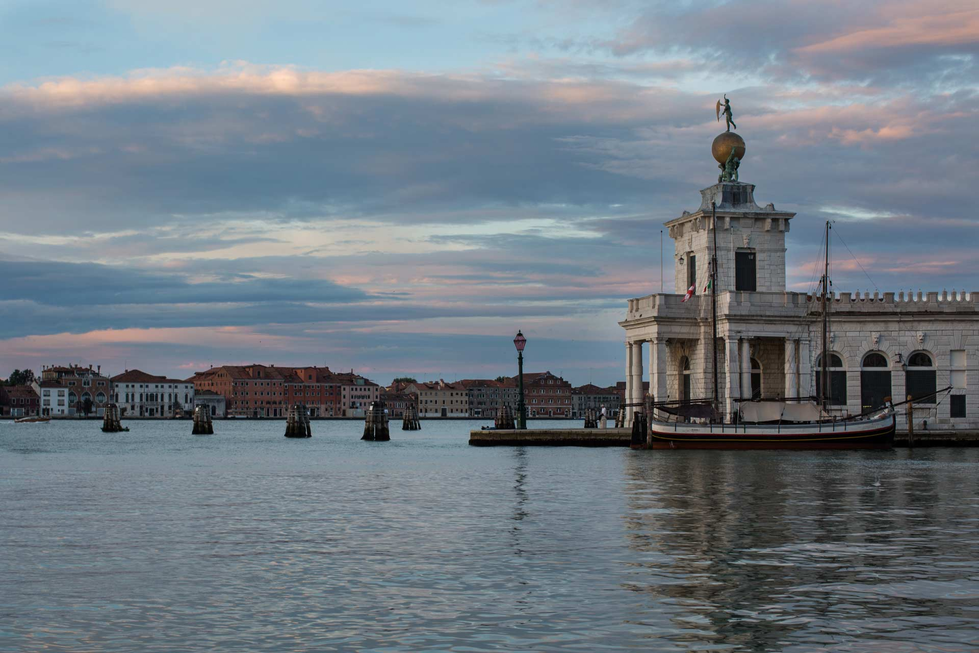 Venice magic pictures-punta della dogana