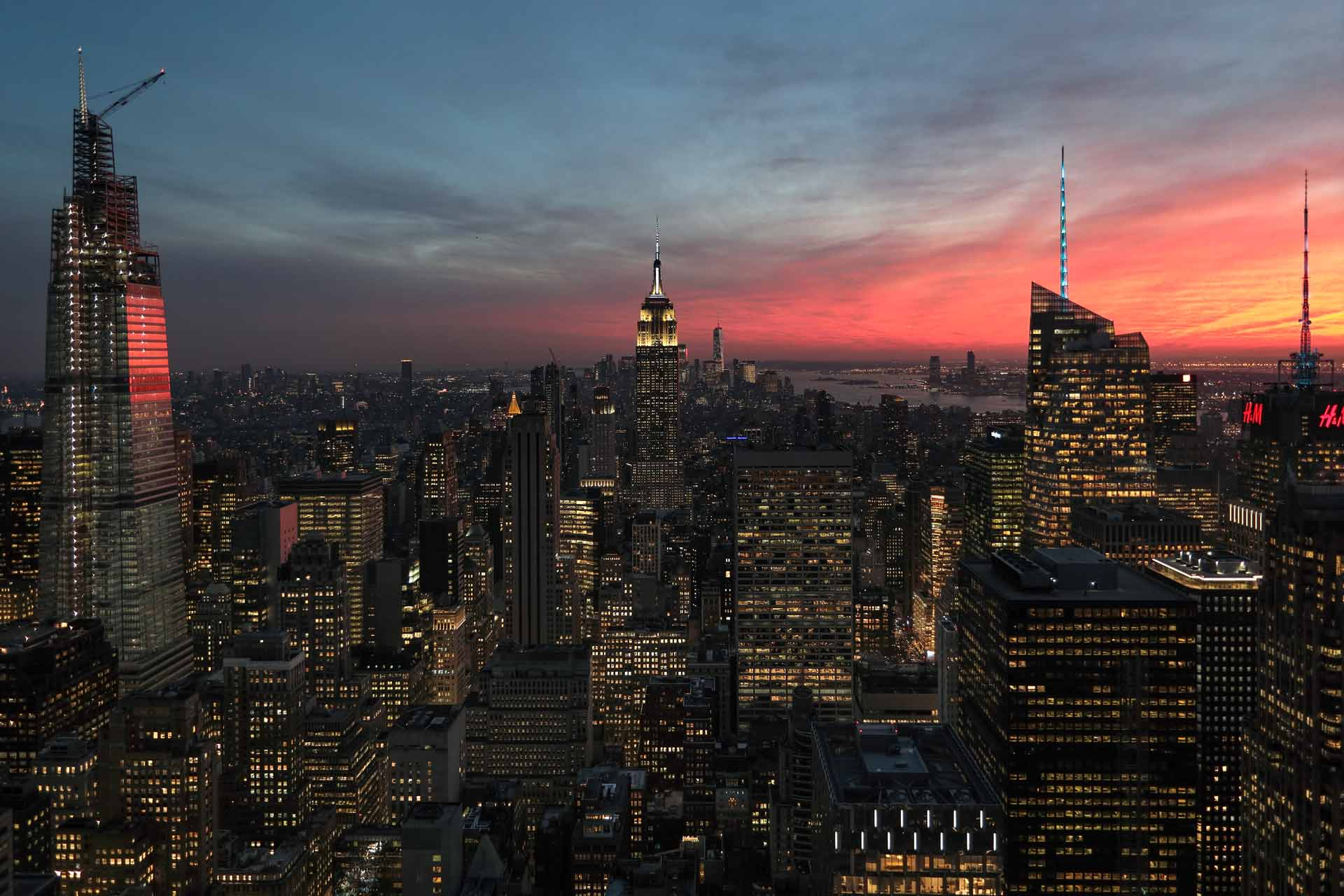 top-of-the-rock-new-york-city-empire-state-building-view-landscape-sunset