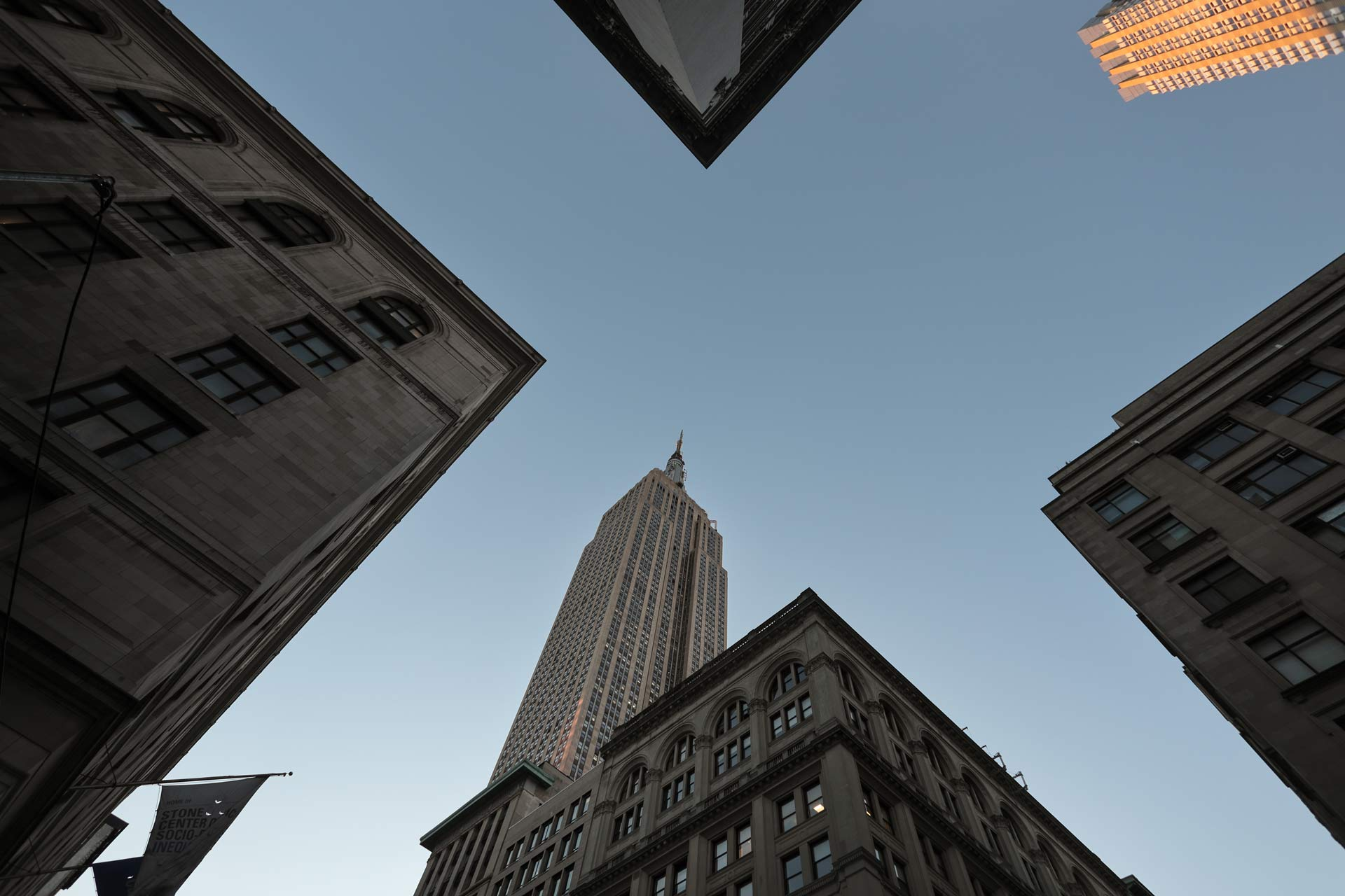Downtown-Manhattan-New-York-City-Empire-State-Building
