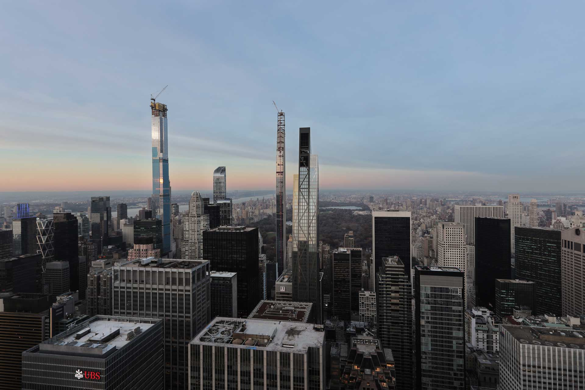 top-of-the-rock-new-york-city-empire-state-building-view-landscape
