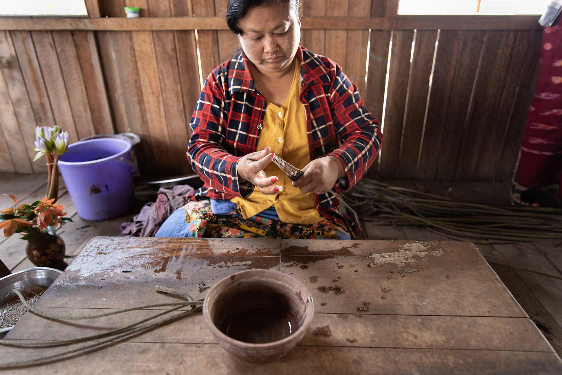 Handcraft lotus flower creations around Inle Lake
