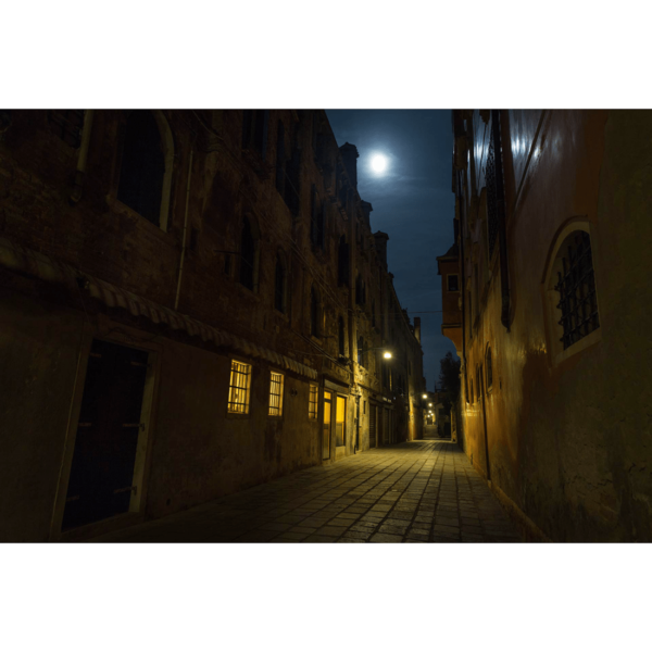 Cannaregio-Venezia-Moonlight-Night